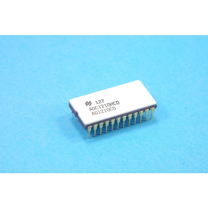 National Semiconductor Corp - ADC1210HCD - IC, A/D converter. 12 Bit CMOS. New.