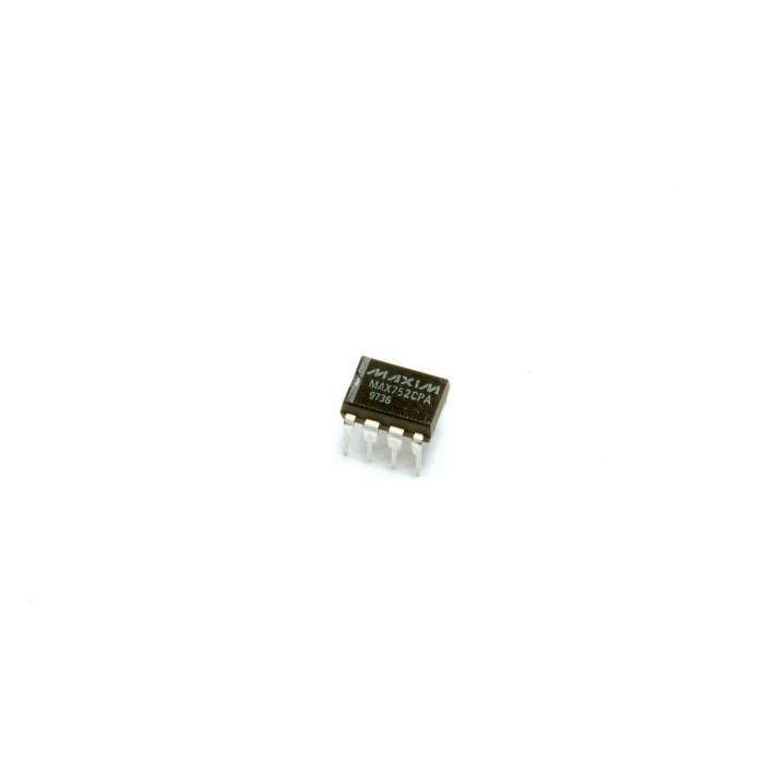MAXIM - MAX752CPA - IC, Adjustable DC/DC converter. 8 Dip.