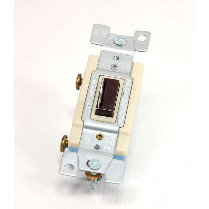 Challenger - 1101-L - Key operated locking switch, SP 120/277VAC 15Amp.