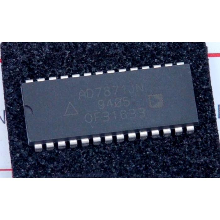 Analog Devices Inc - AD7871JN - IC, A/D converter. 14-bit.