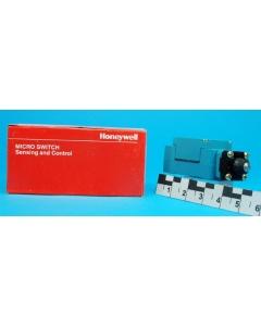 Honeywell/Microswitch - GLBA02B - Switch, limit. Top plunger, 1NC 1NO SPDT.