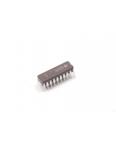 Analog Devices Inc - AD776AQ - IC, A/D. 16-Bit Sigma-Delta ADC.