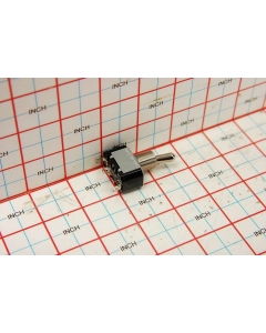Cutler-Hammer / Eaton - 7505K4 - Switch, toggle. SPDT 15A 125V.