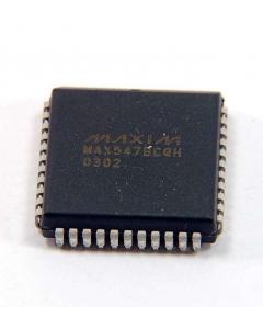 MAXIM - MAX547BCQH - IC, D/A converter. Octal, 13 Bit. 44 LCC.