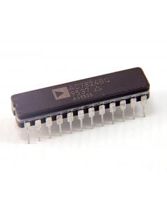 Analog Devices Inc - AD7824BQ - IC, A/D Converter. LC2MOS 4 CH 8-Bit.