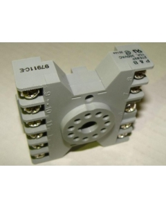Potter & Brumfield - 27E892 - Connector, relay socket. 10Amp 300V.