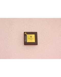 Motorola - MC68010RC10 - IC, microprocessor. 16 Bit.