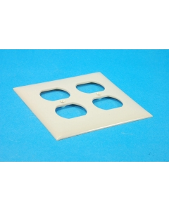 CHALLENGER - 2812-I - Standard duplex receptacle, wall plate.