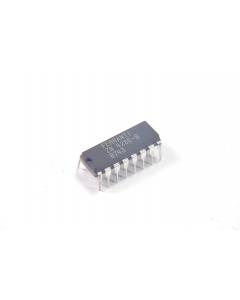 FERRANTI - ZN428E-8 - IC, D/A converter. 8-Bit latching. Case: 16 Dip.