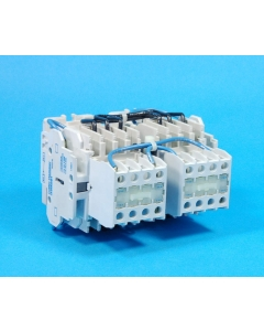 CUTLER-HAMMER - CE55ANT3T1B - Reversing Contactor Size A 24VDC