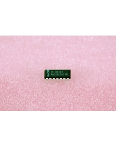 National Semiconductor Corp - ADC08234CIN - IC, A/D Converter. 8 Bit.