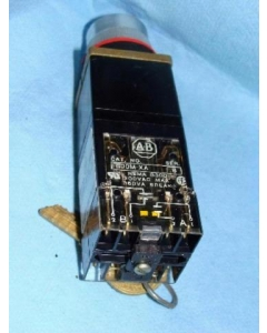 ALLEN BRADLEY - AB - 800MR-N31QB - Switch, Key. Contacts: 4 Position. 300 VAC 10A