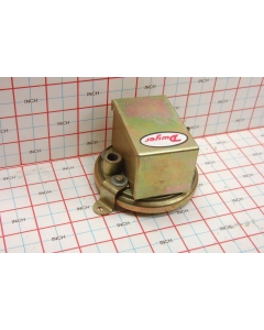DWYER INSTRUMENTS - 1910-20 - Switch, pressure. 45 In W.C.