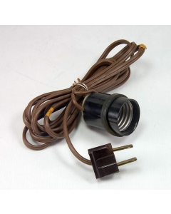 HATFIELD - 5-006 - Cords, plugs. Light socket 250V 660w.