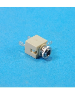 "Unidentified MFG - 8-495 - Connector, audio. F 1/8"" (3.5mm). Package of 15."