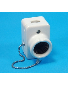 Unidentified MFG - 8-945 - pull chain porcelain WHITE CERAMIC lamp sockets